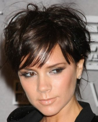 Victoria-Beckham-short-wavy-haircut