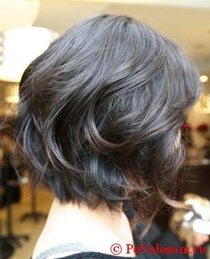 Срижка на средние волосы