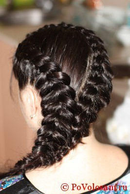 Плетение кос на волосах