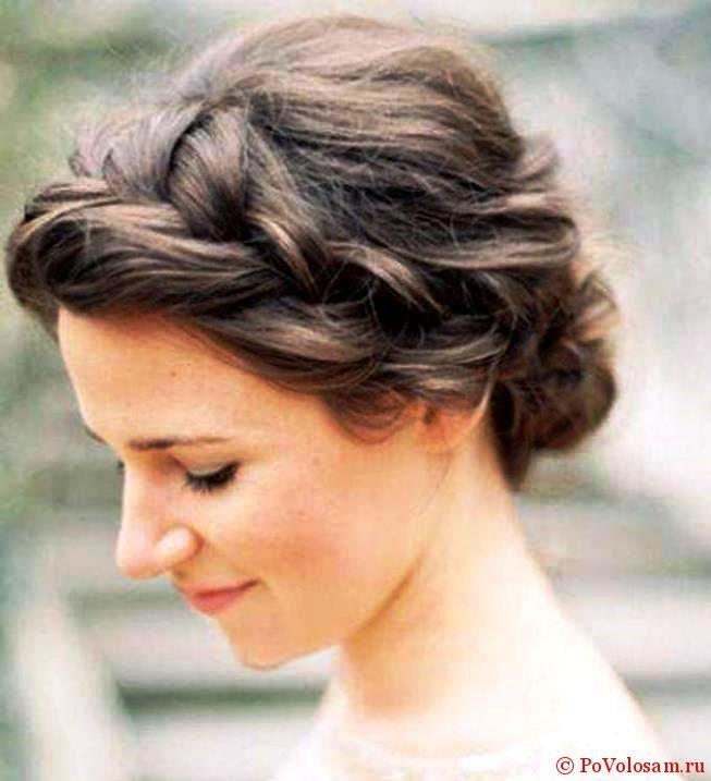 Красивая прическа с косами на коротких волосах