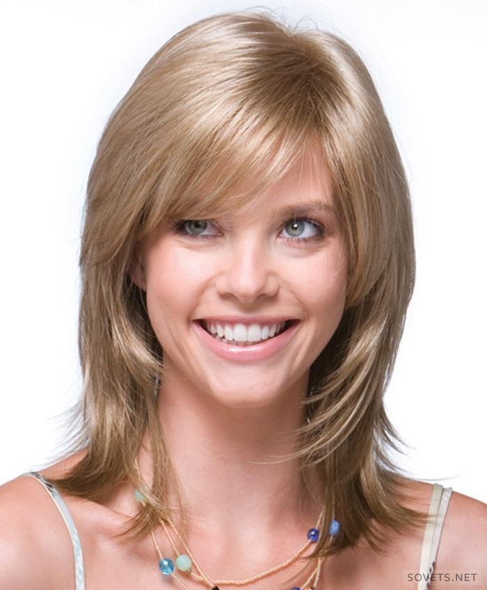 Фото прически каскад на средние волосы с челкой фото