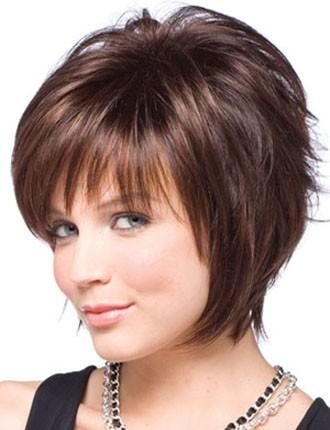 Выбирать стрижку на средние волосы