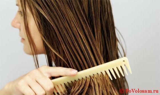 расчесывание волос для выпрямления