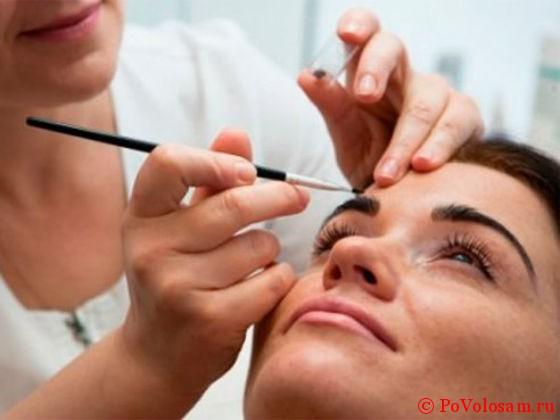 Окрашивание бровей: описание салонной и домашней процедуры