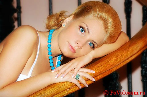 светло-голубые глаза и цвет волос