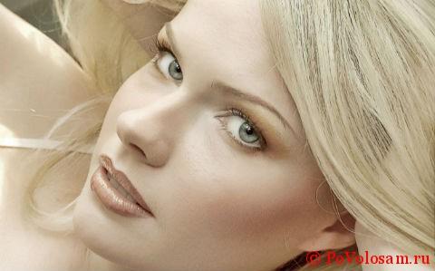 светло-голубые глаза