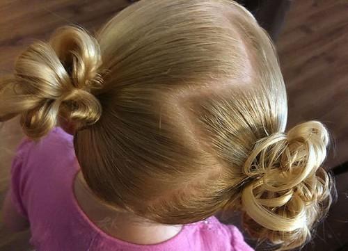 Кудрявые детские волосы