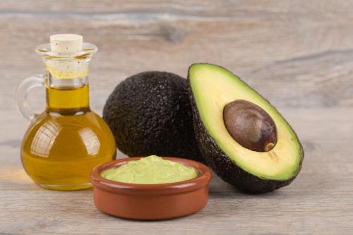 маска для вьющихся волос из авокадо и оливкового масла