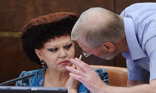 Что за причёска у Валентины Петренко