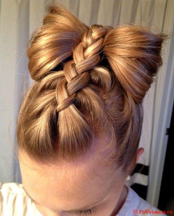 Бант из плетеных волос