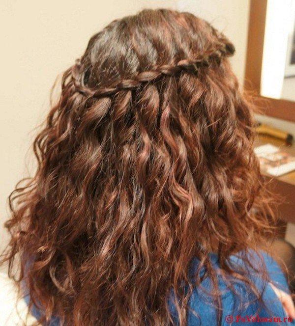 Водопад на средние волосы