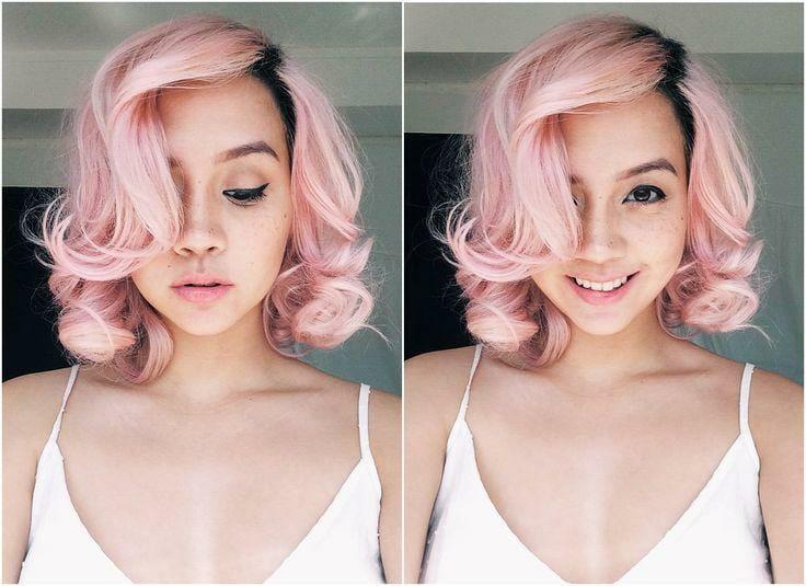 девушка с розовым цветом волос